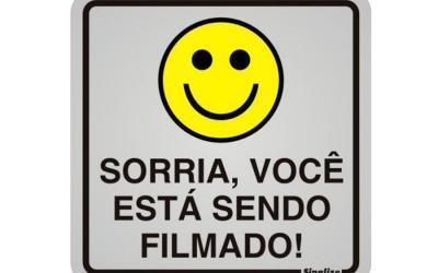 Placa de Aviso Alumínio Sorria, Você Está Sendo Filmado 12 x 12 cm